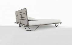 bett mit schr gen beinen sch ner wohnen. Black Bedroom Furniture Sets. Home Design Ideas