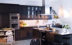 dunkle k chenfronten bei ikea news sch ner wohnen. Black Bedroom Furniture Sets. Home Design Ideas