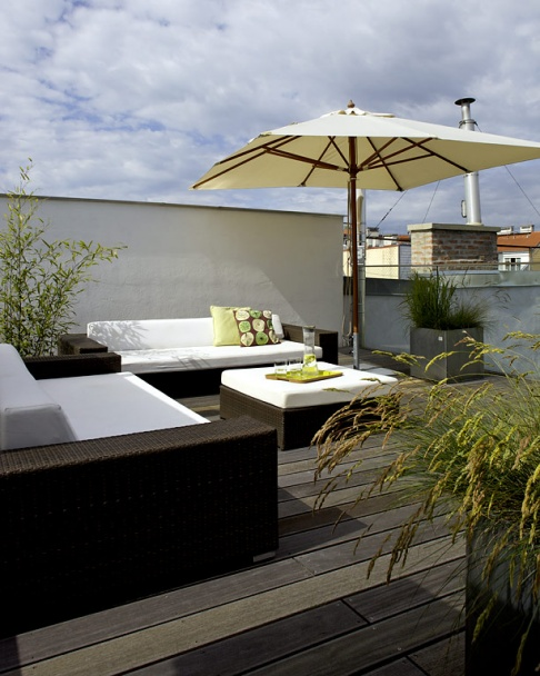 dachterrasse gestalten so geht 39 s sch ner wohnen. Black Bedroom Furniture Sets. Home Design Ideas