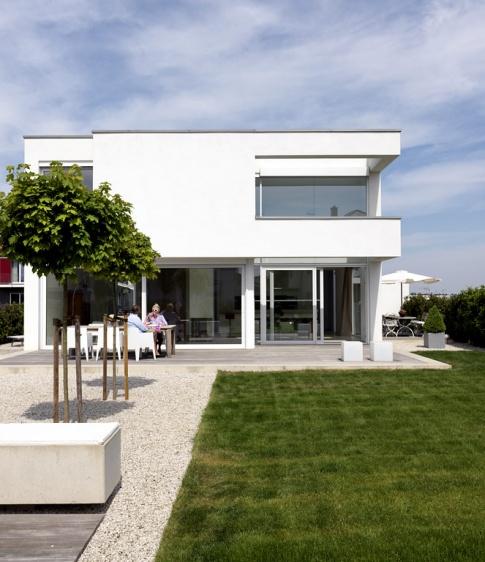 1 platz kubisches wohnhaus ganz in wei haus des. Black Bedroom Furniture Sets. Home Design Ideas