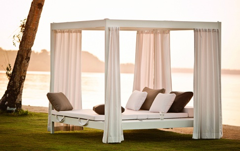 outdoor daybed city camp bei dedon sch ner wohnen. Black Bedroom Furniture Sets. Home Design Ideas
