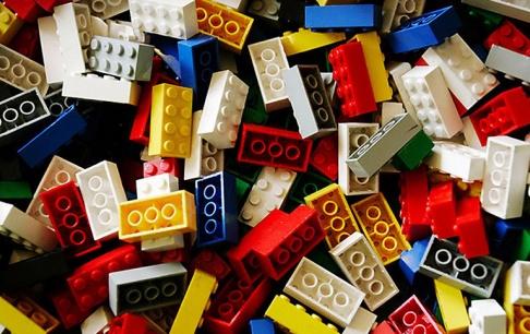 tv doku ber den lego stein sch ner wohnen. Black Bedroom Furniture Sets. Home Design Ideas