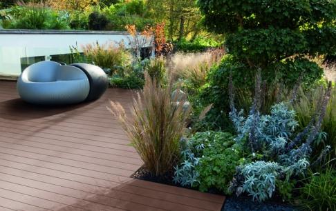 terrassenboden aus reish lsen und kunststoff sch ner wohnen. Black Bedroom Furniture Sets. Home Design Ideas