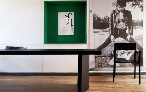 konstantin grcic pr sentiert entw rfe in le corbusiers cit radieuse sch ner wohnen. Black Bedroom Furniture Sets. Home Design Ideas