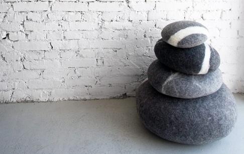 kieselstein kissen aus merinowolle news sch ner wohnen. Black Bedroom Furniture Sets. Home Design Ideas