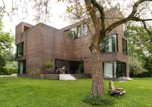 3 preis moderne villa mit l rchenholzfassade haus des. Black Bedroom Furniture Sets. Home Design Ideas