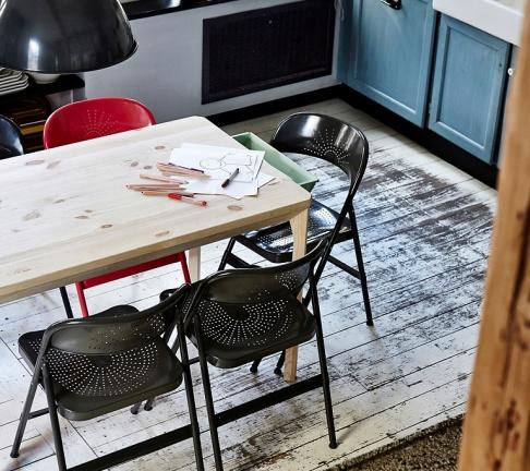 klappstuhl vom camping bis zum designstuhl sch ner wohnen. Black Bedroom Furniture Sets. Home Design Ideas