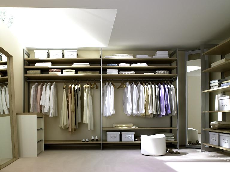 m bel begehbare kleiderschr nke f r gro e r ume. Black Bedroom Furniture Sets. Home Design Ideas