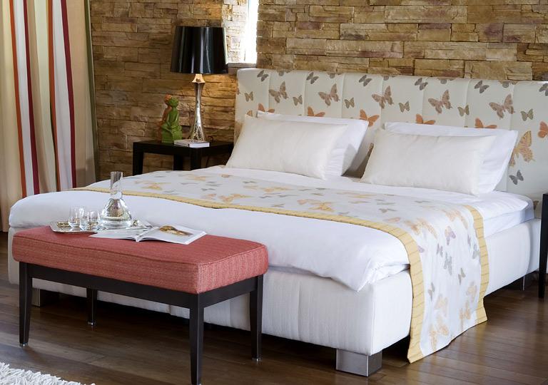 m bel nachhaltig stoff returnity von backhausen bild 22 sch ner wohnen. Black Bedroom Furniture Sets. Home Design Ideas