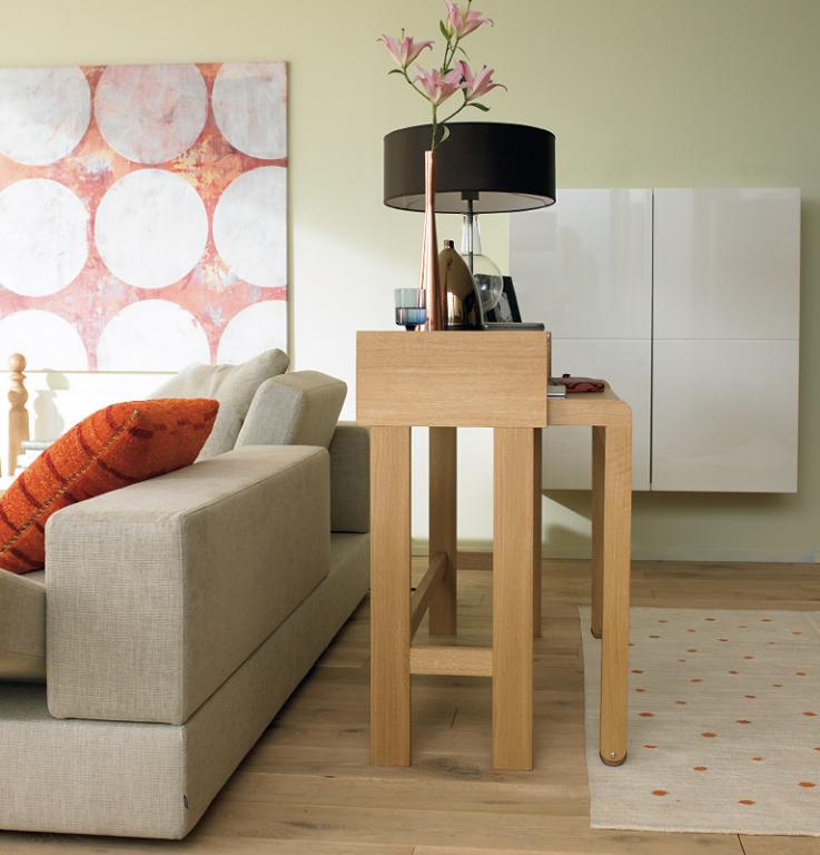 schreibplatz schreibtisch wird zusammengeschoben zum schicken abstellm bel bild 2 sch ner. Black Bedroom Furniture Sets. Home Design Ideas