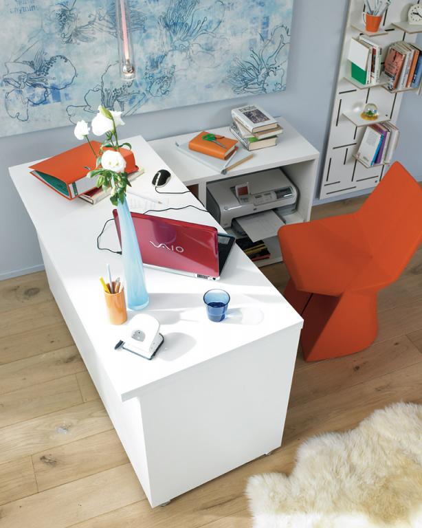 arbeitszimmer arbeitsplatz mit stauraum f r drucker bild 2 sch ner wohnen. Black Bedroom Furniture Sets. Home Design Ideas