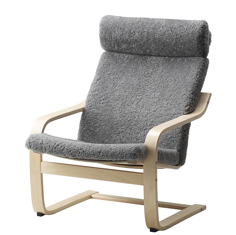 po ng als klassischer sessel mit grauem schaffell bild 8. Black Bedroom Furniture Sets. Home Design Ideas