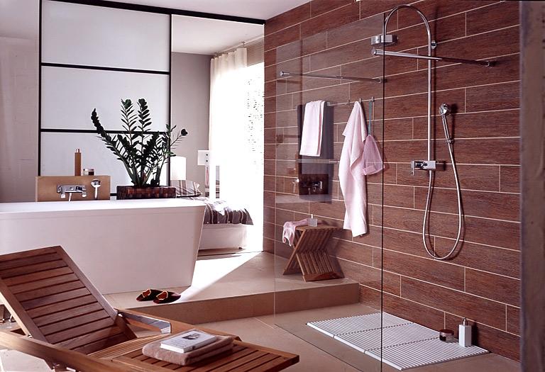 für wellness-fans: wohnlichkeit fürs bad: fliesen in holzoptik, Wohnideen design