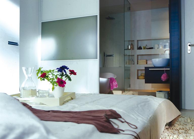 Für Wellness-Fans: Kombinierte Schlaf- und Badezimmer - [SCHÖNER WOHNEN]