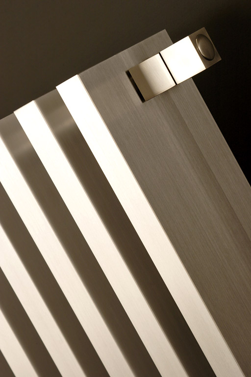 multifunktional serie t von antrax heizk rper f r wohnr ume bad und flur 1 sch ner wohnen. Black Bedroom Furniture Sets. Home Design Ideas