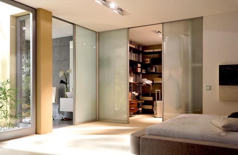 luxus raum bergreifende verbindung von bade schlaf und ankleidezimmer bild 10 sch ner. Black Bedroom Furniture Sets. Home Design Ideas