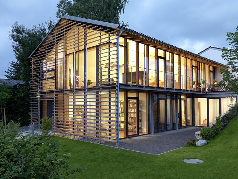 2 platz satteldachhaus mit glasw nden sch ner wohnen. Black Bedroom Furniture Sets. Home Design Ideas
