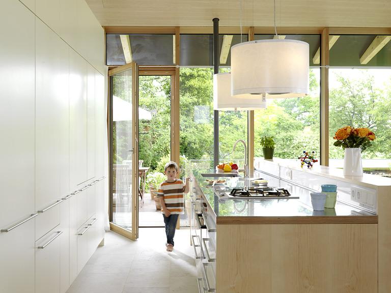 Design Lenschirm küche mit klarem design großflächige schrankfronten schaffen in