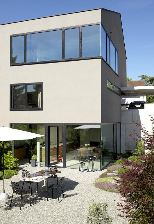 sch ner wohnen wettbewerb haus des jahres 2009 5 platz. Black Bedroom Furniture Sets. Home Design Ideas