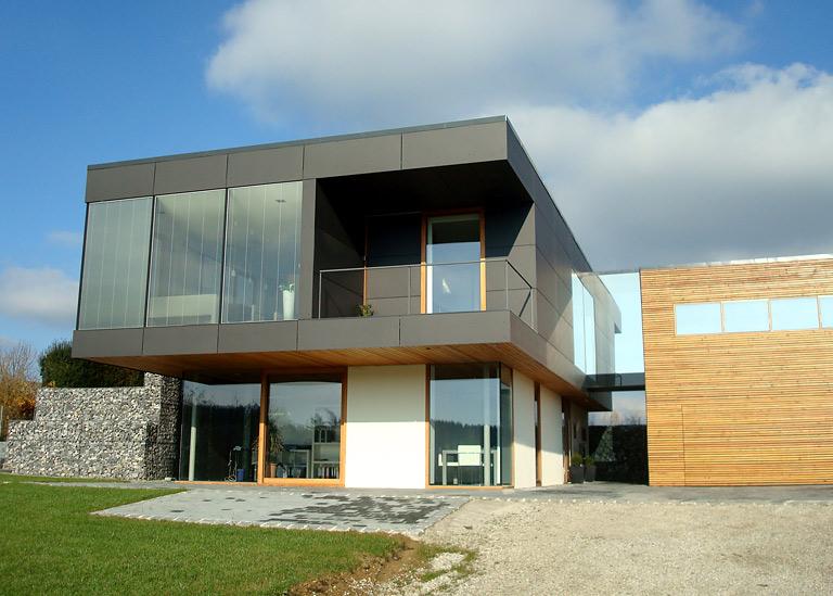 glas beton und holz als baustoffe haus des jahres 2009 pl tze 6 bis 10 11 sch ner wohnen. Black Bedroom Furniture Sets. Home Design Ideas