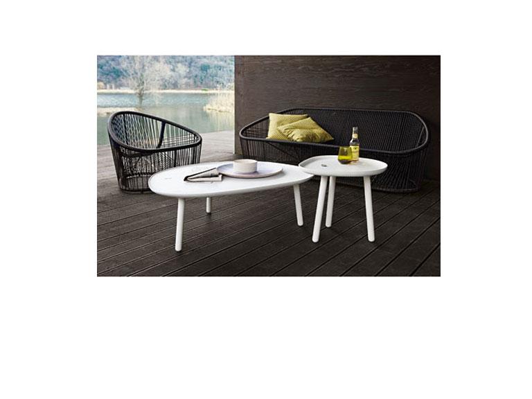 tische loto und ninfea von zanotta sch ner wohnen. Black Bedroom Furniture Sets. Home Design Ideas