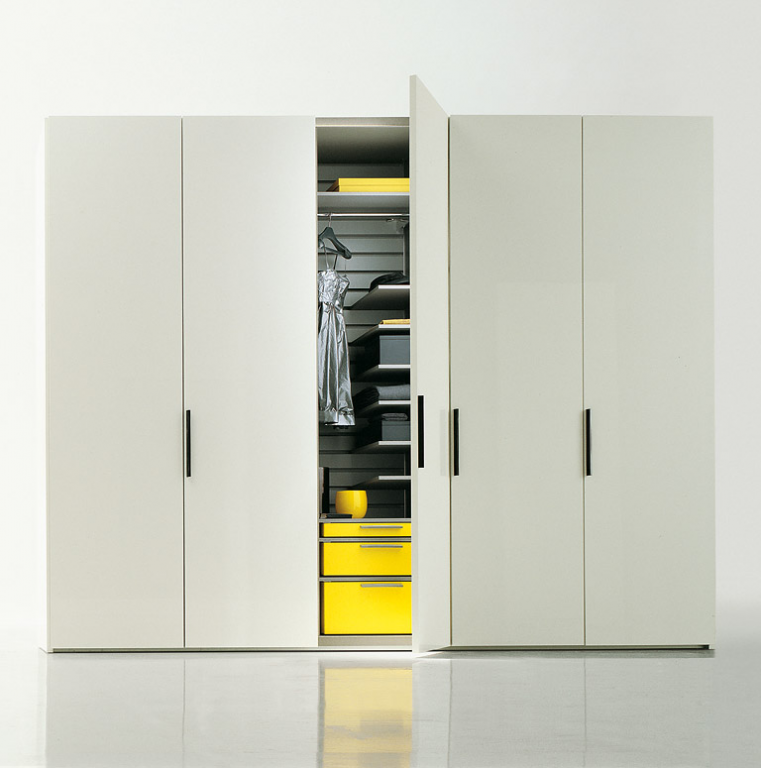 schrank designklassiker. Black Bedroom Furniture Sets. Home Design Ideas