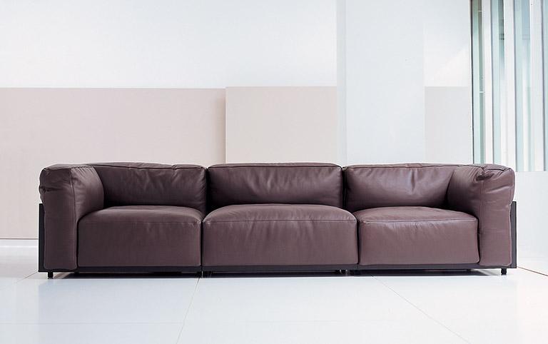 neue klassiker sofa mex von cassina design piero lissoni bild 33 sch ner wohnen. Black Bedroom Furniture Sets. Home Design Ideas