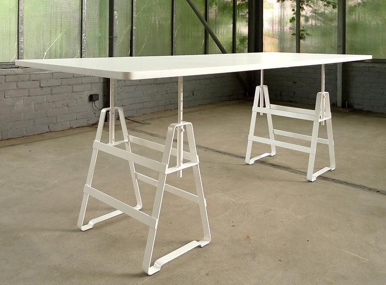 Atelier Einrichten wohntrends und minimalistische tischlösung tischbock