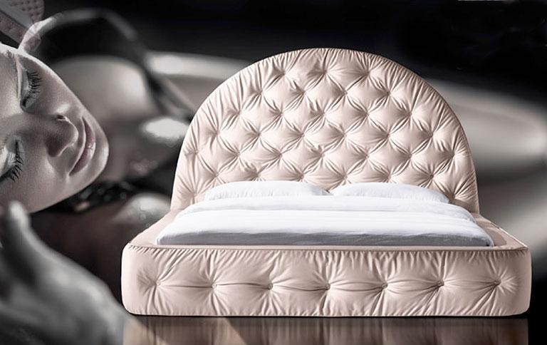 betten mit viel pomp bei nest italia sch ner wohnen. Black Bedroom Furniture Sets. Home Design Ideas