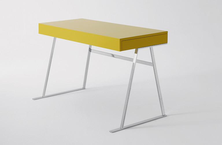 Die Mobel Designklassiker Ikonischer Sessel Wird Neu Interpretiert