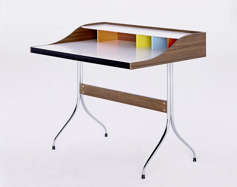 schreibtisch home desk von vitra bild 24 sch ner wohnen. Black Bedroom Furniture Sets. Home Design Ideas