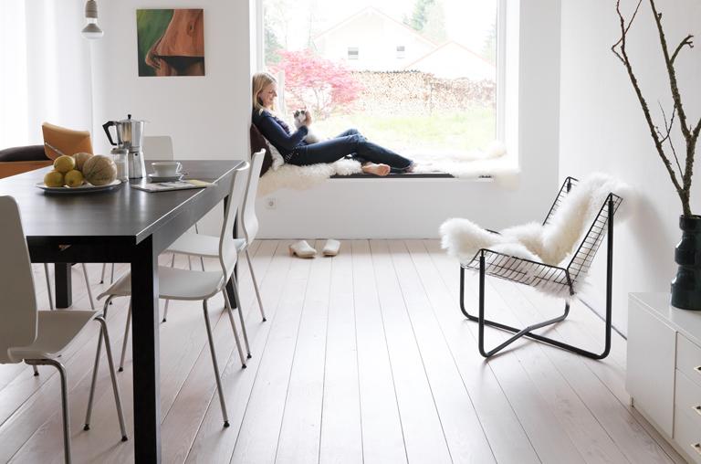 fotostrecke sitzplatz im fenster bild 5 sch ner wohnen. Black Bedroom Furniture Sets. Home Design Ideas