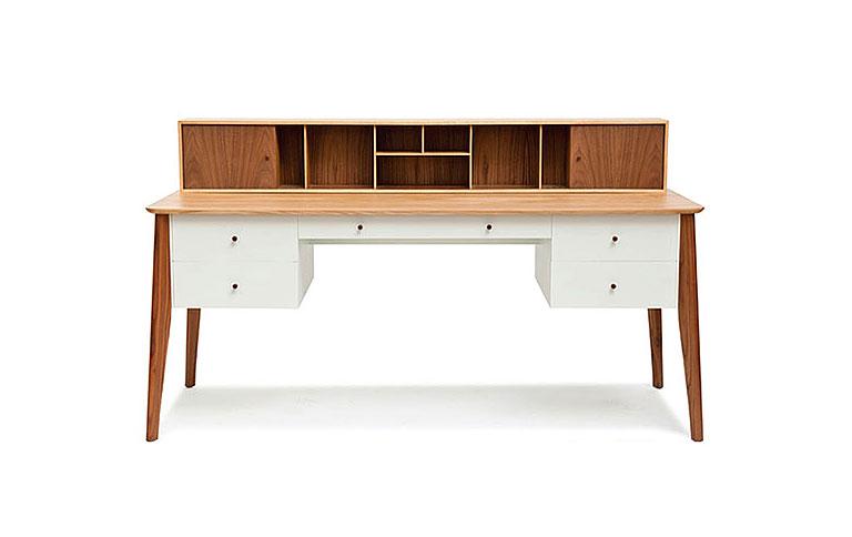 schreibtisch mit viel stauraum von pinch design sch ner wohnen. Black Bedroom Furniture Sets. Home Design Ideas