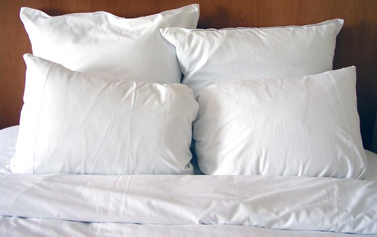 heimtextilien richtig waschen sch ner wohnen. Black Bedroom Furniture Sets. Home Design Ideas