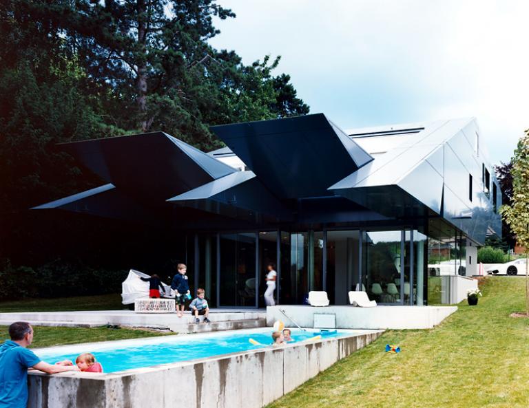 architektenh user innovative villa aus glas und aluminium. Black Bedroom Furniture Sets. Home Design Ideas