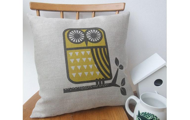 kissenbez ge im schweden design sch ner wohnen. Black Bedroom Furniture Sets. Home Design Ideas