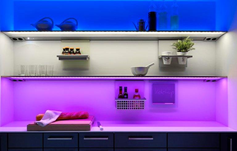 fotostrecke buntes licht led moodlicht von siematic bild 5 sch ner wohnen. Black Bedroom Furniture Sets. Home Design Ideas