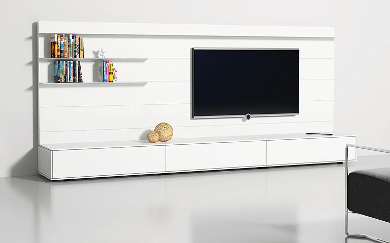 Sideboard weiß hochglanz ikea  Wohnwände als flexible Systeme: Wohnwand