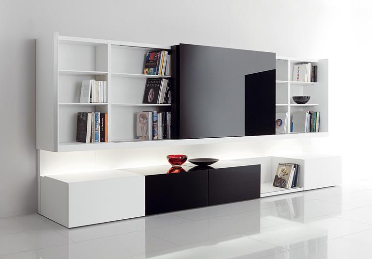 newind mit verschiebbarem tv paneel bild 2 sch ner wohnen. Black Bedroom Furniture Sets. Home Design Ideas