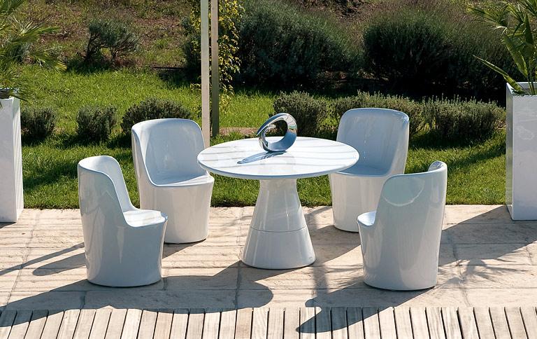 Der Gartentisch Aus Holz Metall Und Kunststoff Schoner Wohnen