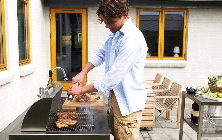 Sehr Outdoor-Küche – genussvoll draußen kochen - [SCHÖNER WOHNEN] DB95