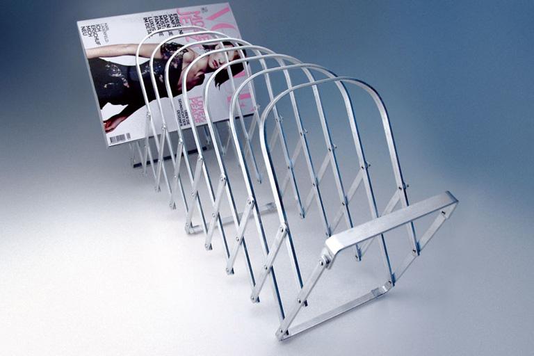 fotostrecke zeitschriftenst nder collator von radius. Black Bedroom Furniture Sets. Home Design Ideas
