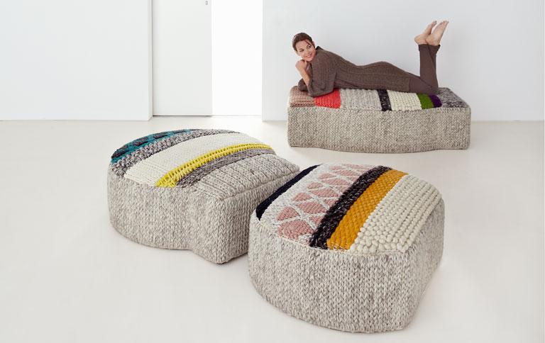 strick poufs im patchwork design sch ner wohnen. Black Bedroom Furniture Sets. Home Design Ideas