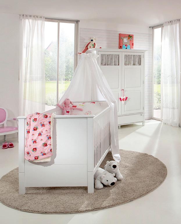 babybett in schlichtem design zeitloses design mit klassischer form so zeigt sich das babybett. Black Bedroom Furniture Sets. Home Design Ideas