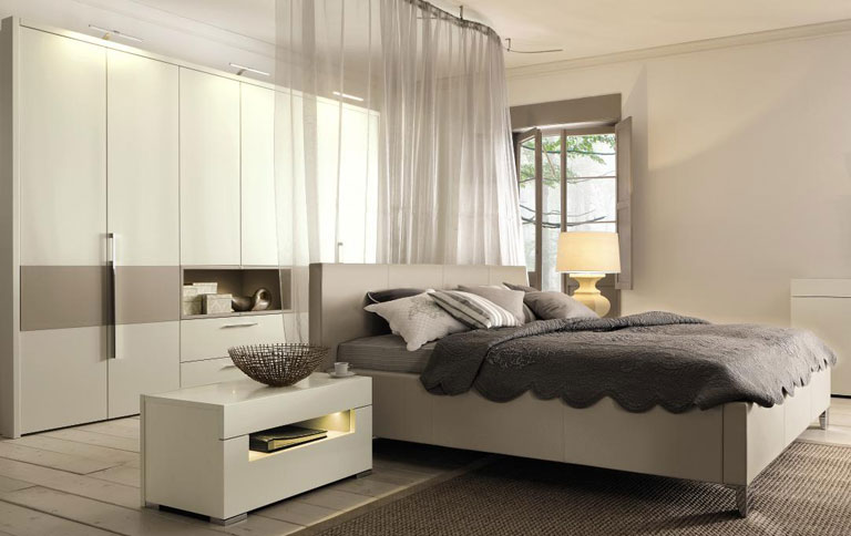 h lsta h llt das schlafzimmer in leder news sch ner. Black Bedroom Furniture Sets. Home Design Ideas