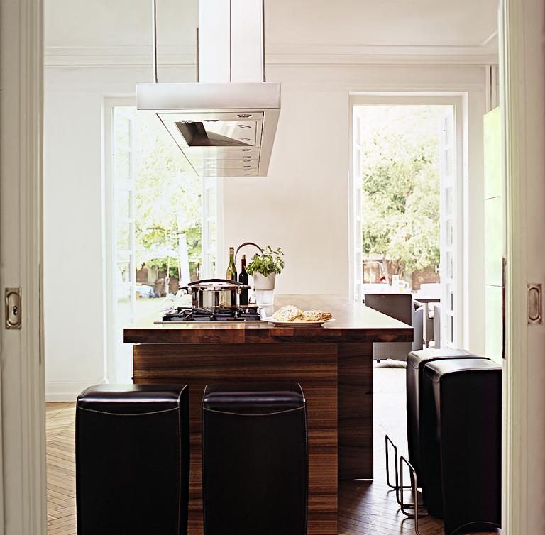 nobles palais wird zur villa nachher farbkonzept aus grau braun und wei sch ner wohnen. Black Bedroom Furniture Sets. Home Design Ideas