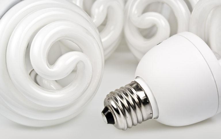 dm nimmt alte energiesparlampen zur ck tipp des tages sch ner wohnen. Black Bedroom Furniture Sets. Home Design Ideas