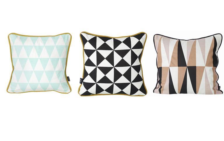 kissen mit dreieck print von ferm living kissen f r jeden stil 3 sch ner wohnen. Black Bedroom Furniture Sets. Home Design Ideas