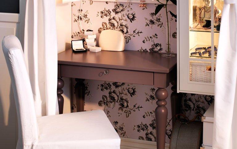 Laptop tisch isala bei ikea news sch ner wohnen for Tisch schwedisches design