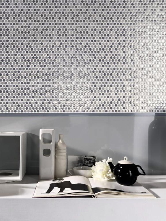 Bad Und Küche mosaikfliesen akzente in bad küche an wand und möbeln schöner